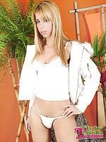 Stunning TS blonde Agatha