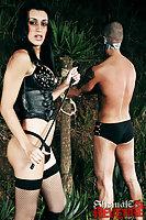 Barbara Vasconcelos torturing her male slave