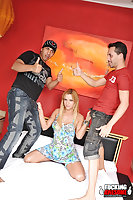 Blonde hooker pleases two dudes