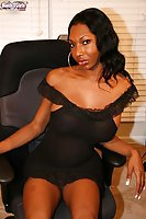 Black Shemale  Wanks Her Huge Pole