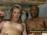 Blonde tranny fucks black dude in bed