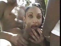 TS Babe Feeling Hot With Guys