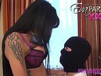 Eva Paradis  is banging a thief