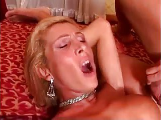Skilful blonde TS is a perfect lover girl