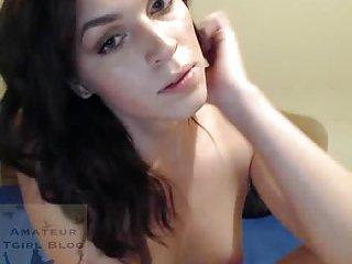 Pretty shemale webcam solo