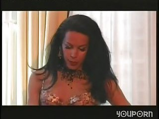 Join group sex with a lingeried tranny chick