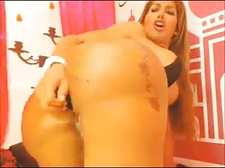 Booty tranny ass fucked by dildo